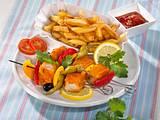 Fischstäbchen-Schaschlik mit Pommes Rezept