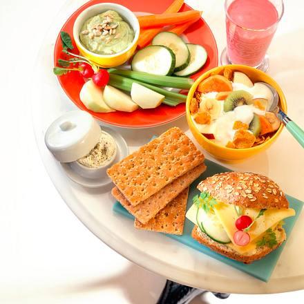 Fitmacher-Frühstück: Gemüse mit Avocado-Dip Rezept