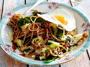 Fixe Asiaspaghetti Rezept