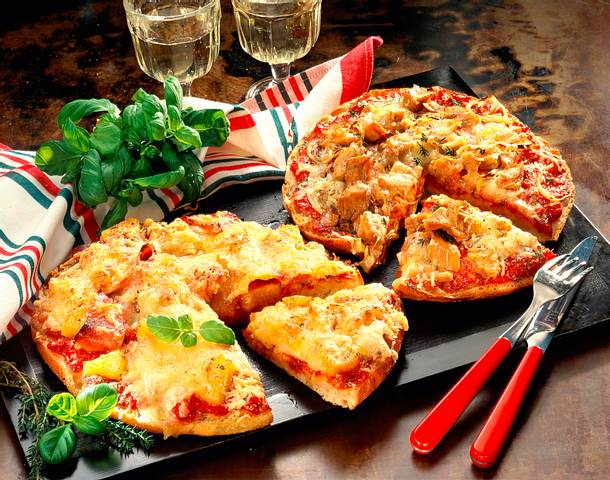 fladenbrot pizza rezept lecker. Black Bedroom Furniture Sets. Home Design Ideas
