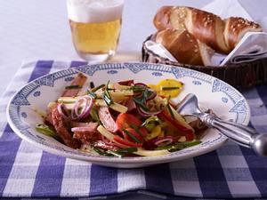 Fleischkäse-Salat mit Senf-Schnittlauch-Vinaigrette Rezept