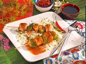 Fleischspieße auf Reis Rezept