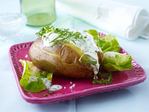 Folienkartoffel mit Kräuter-Joghurt Rezept