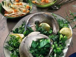 Forelle blau mit Möhren- Fenchelsalat Rezept