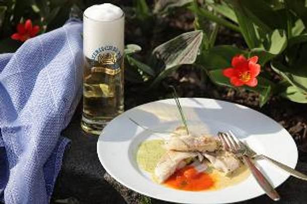 Forellenfilet mit Gurken-Radieschen-Gemüse, Bärlauch-Biersauce, Weißbier-Nage oder Tomaten-Biersauce Rezept