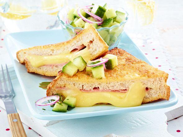 French-Toast-Cordon-bleu mit Gurkensalat Rezept