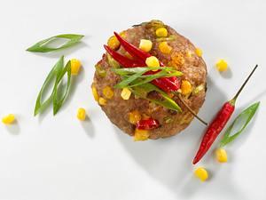 Frikadelle mit Mais, Chili und Lauchzwiebeln Rezept
