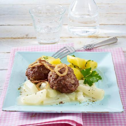 Frikadellen mit Kohlrabi-Gemüse und Petersilienkartoffeln Rezept
