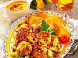 Frikadellen mit Pfifferlingsoße, Lauchzwiebeln und Rösti-Ecken Rezept