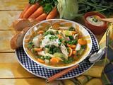 Frische Gemüsesuppe mit Hähnchen Rezept