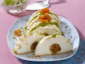 Frischkäse-Rehrücken mit Aprikosen-Nussfüllung (Österlich) Rezept