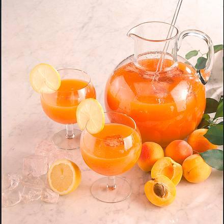 Fruchtiger Aprikosen-Drink Rezept