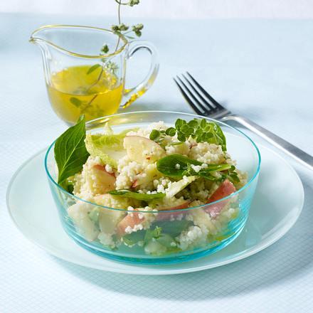 Fruchtiger Couscous-Salat mit Äpfeln und Chicoree Rezept
