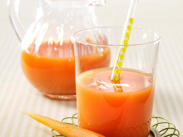 Fruchtiger Möhren-Sellerie-Saft Rezept