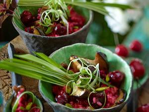 Fruchtiges Risotto mit Kirschen, Kräuterseitlingen, Pistazien und Lauchzwiebeln Rezept