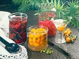 Früchte in Alkohol: Gemischte Beeren in Korn Rezept
