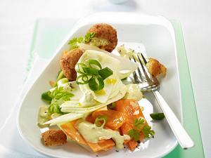 Frühlings-Salat mit Knusper-Reisbällchen Rezept