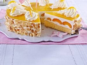 Frühlingshafte Aprikosen-Joghurt-Torte Rezept