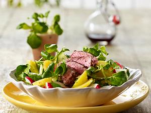 Frühlingshafter Kartoffel-Brunnenkresse-Salat mit Steakstreifen Rezept