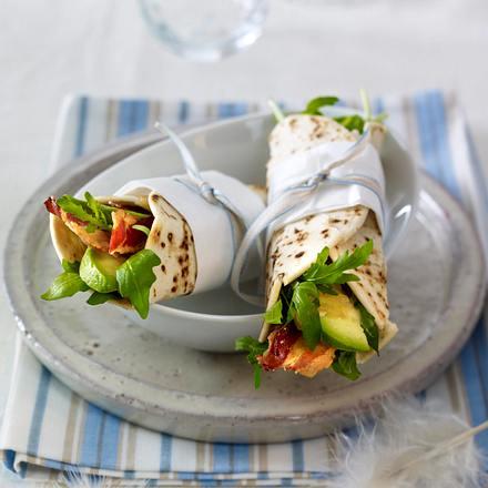 Frühstücksburrito mit Speck-Avocadosalat Rezept