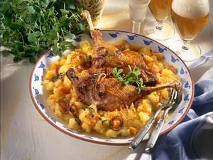 Gänsekeulen mit Kartoffel-Steckrüben-Mus Rezept