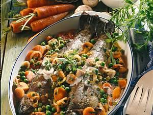 Gebackene Forellen auf Sahne-Gemüse Rezept