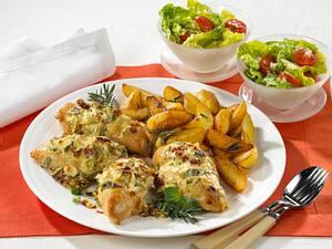 Gebackene Hähnchen-Krüstchen zu Röstkartoffeln Rezept
