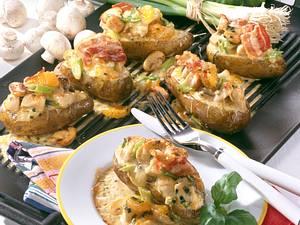 Gebackene Kartoffel mit Hähnchen-Ragout Rezept