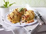 Gebackene schwedische Ofenkartoffeln mit dreierlei Käse Rezept
