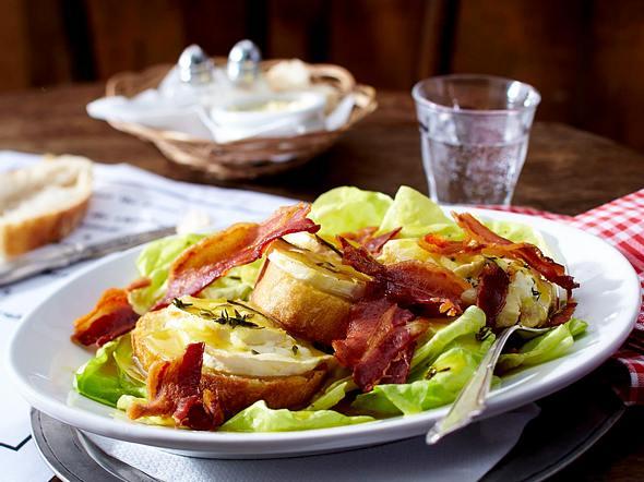 Gebackener Ziegenkäse auf Salat Rezept