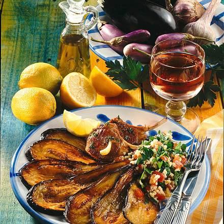 Gebratene Auberginen mit Petersiliensalat und Lamm Rezept