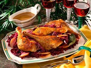 Gebratene Entenkeulen auf Birnen-Rotkohl Rezept