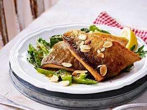Gebratene Forelle auf Zuckerschoten-Bohnen-Salat Rezept