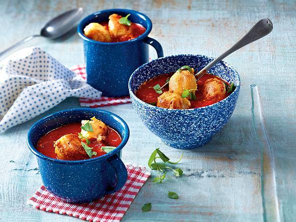 Gebratene Käseklößchen in Tomatensuppe Rezept