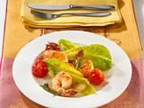Gebratene Knoblauch-Garnelen auf Salat Rezept