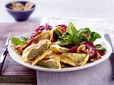 Gebratene Maultaschen zu Salat mit Nussvinaigrette Rezept