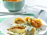 Gebratener Chicorée mit Kartoffel-Möhren-Püree und Petersilien-Soße Rezept