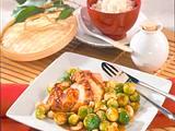Gebratener Rosenkohl mit marinierter Hähnchenbrust Rezept