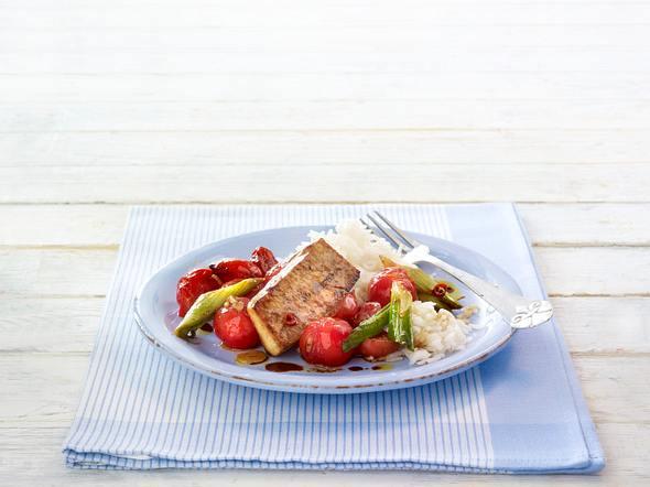 Gebratener Tofu auf Schmortomaten und Basmatireis Rezept