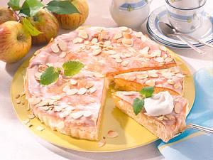 Gedeckter Apfel-Hefekuchen Rezept