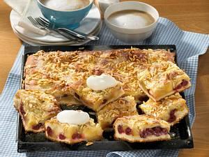 Gedeckter Apfel-Kirsch-Kuchen Rezept