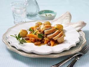 Gedünstete Curry-Möhren mit Minzjoghurt und Hähnchenfilet Rezept