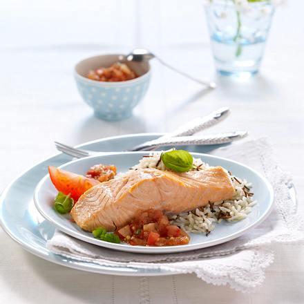 Gedünsteter Lachs mit Tomaten-Chutney (für 1 Person) Rezept