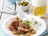 Geflügel-Frikadellen mit Oliven und Peperoni zu Champignonrahm Rezept