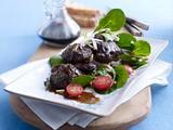 Geflügelleber mit Balsamico auf Salat Rezept