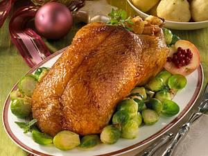 Gefülle Ente mit Rosenkohl und selbstgemachten Knödeln Rezept