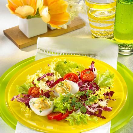 Gefüllte Eier im Salatbett Rezept