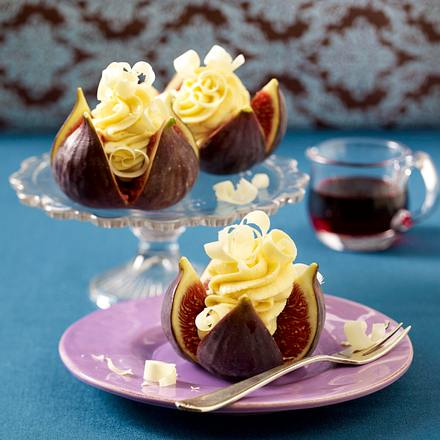 gef llte feigen mit wei er schokoladen mousse rezept lecker. Black Bedroom Furniture Sets. Home Design Ideas