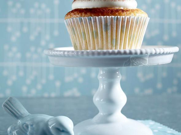 Gefüllte Muffins mit Roter Grütze und Vanillepudding Rezept