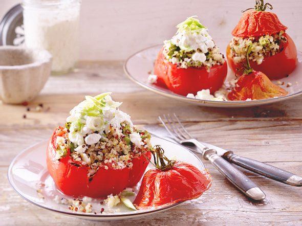 Gefüllte Ochsenherztomaten mit Quinoa und Hüttenkäse Rezept